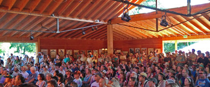 Wildflower Pavilion crowd during the 2014 Folks Festival (photo: Benko Photographics)