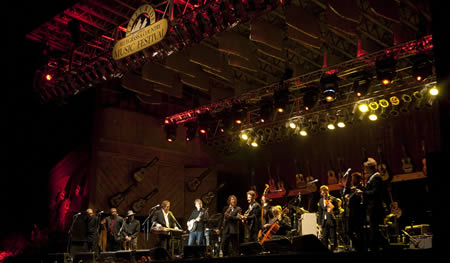 Lyle Lovett & friends at 2010 Telluride Bluegrass (photo: Benko Photographics)