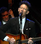 Lyle Lovett will play the 2012 Folks Festival (photo: Benko Photographics)